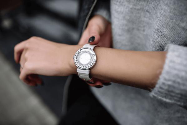 ساعت عقربه ای زنانه